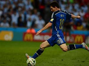 Top 10 Best Active Free Kick Takers in Soccer