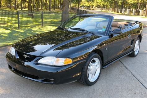 reserve  ford mustang gt convertible  sale