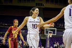 University of Washington's Kelsey Plum becomes leading ...