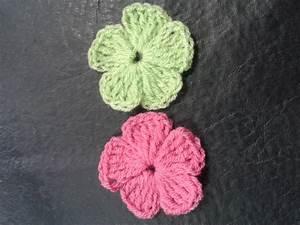 Como tejer flores de 5 petalos a crochet muy facil!//How ...