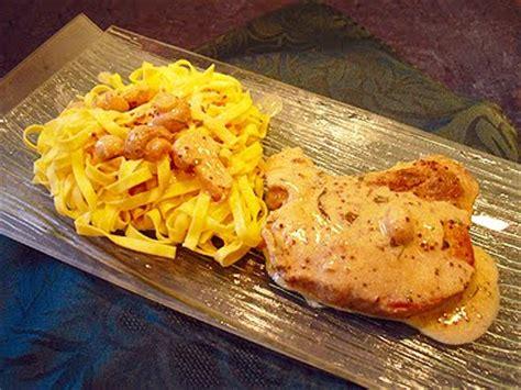 cuisine cote de porc côtes de porc à la moutarde la recette facile par toqués