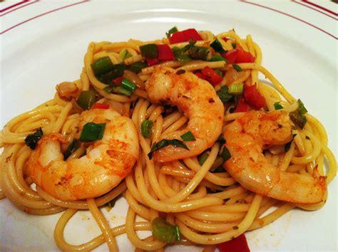 cuisiner le poisson spaghettis aux scis et aux 2 poivrons envie de cuisiner