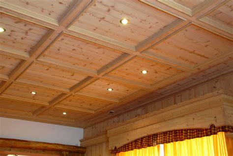 controsoffitto in inglese soggiorni classici in legno personalizzati e su misura