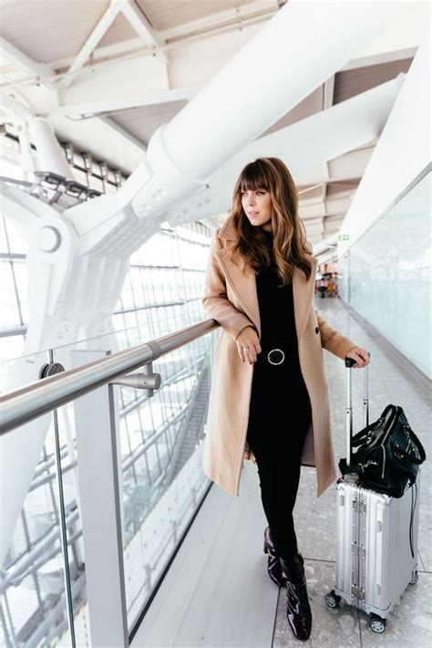 comfy winter airport outfits  girls styleoholic