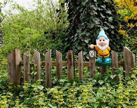 Haus Der Gartenzwerge by Krieg Der Gartenzwerge Www Immobilien Journal De