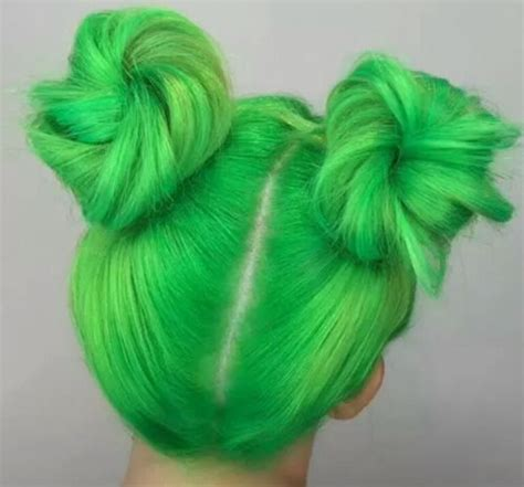 Lime Green Buns Green In 2019 Cheveux Teints Cheveux