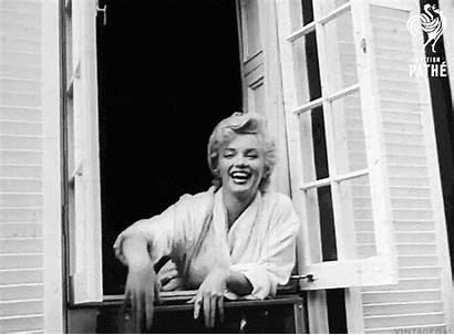 Marilyn Monroe Waving Gifs Itch Seven April