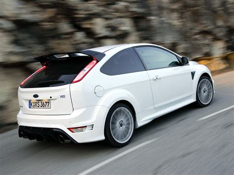 ford focus rs specs