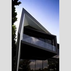 Daring Architecture And Space Planning Diamond House In