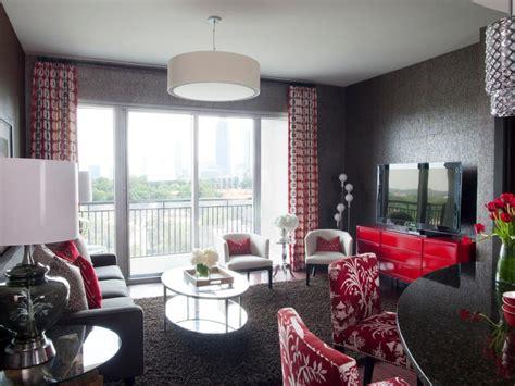 designers  budget friendly living room updates hgtv