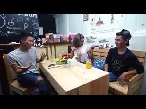 Nikita Mirzani Pegang Itunya Youtube