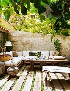 Salon De Jardin Terrasse : salon de jardin en palettes bois sur sol terrasse bois ~ Teatrodelosmanantiales.com Idées de Décoration