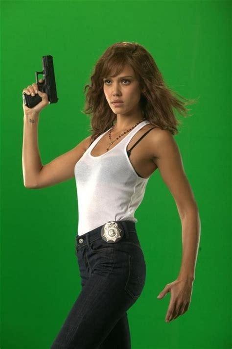 actress jessica in machete production photos jessica alba machete photo 28207479