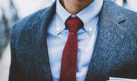 button  collar breakdown