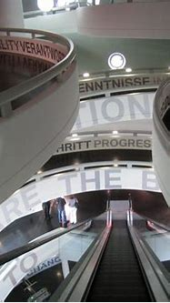File:BMW Museum Old Wing Interior 200905.jpg - Wikimedia ...