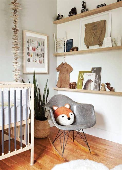 moisissure dans une chambre bois dans une chambre enfant style nature etagere