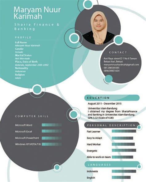 Selain beberapa contoh daftar riwayat hidup di atas, masih ada contoh resume lamaran kerja yang dibuat dengan format yang unik dan menarik. 11+ Contoh CV Kreatif / Menarik / Fresh Graduate / Baik ...