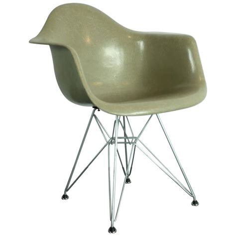 early production vintage eames herman miller armchair in