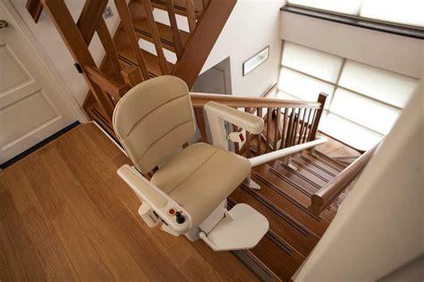 siege pour escalier siège monte escalier pour personne agée aratal