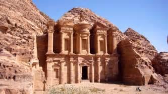 ヨルダン:定番のピラミッドやルクソール ...