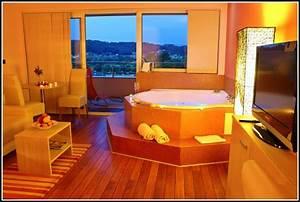 Whirlpool Im Wohnzimmer : whirlpool im wohnzimmer download page beste wohnideen galerie ~ Sanjose-hotels-ca.com Haus und Dekorationen
