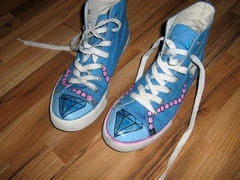styled fake converse   paint  pair  painted