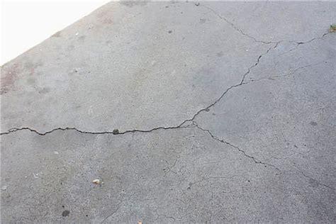 cracks in driveway file arhiv