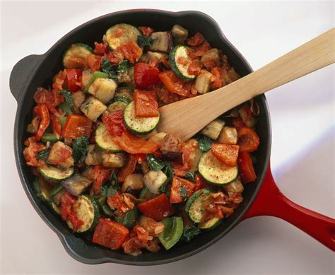 cuisiner ratatouille easy vegan vegetarian ratatouille recipe