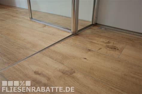 Fliesen Holzoptik Ohne Fuge Verlegen by Pin Fliesenrabatte De Auf Unsere Kundenprojekte
