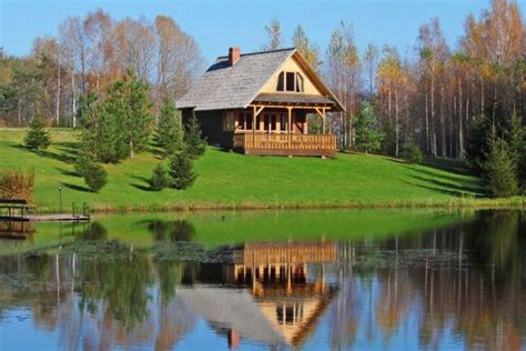 Ezerklabi un Meža namiņš, brīvdienu māja