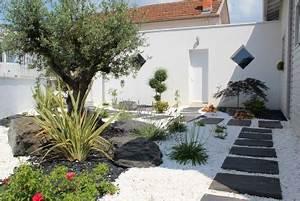 jardins mineral recherche google amenagement paysages With allee de jardin en cailloux 7 creation massif arbustif avec paillage pouzzolane