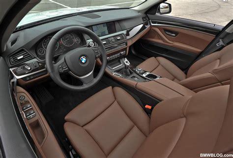 poll brown interior photoshop