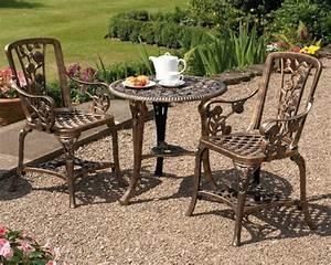 Bistrotisch Mit 2 Stühlen : traditioneller bistrotisch passend f r jeden garten ~ Michelbontemps.com Haus und Dekorationen