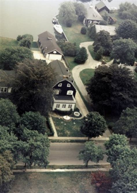 amityville horror house   york  give