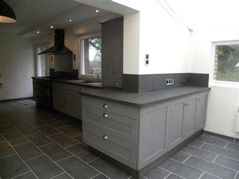 cuisine et gris cuisine en bois gris cuisine bois verni rustique modle