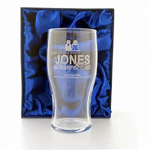 Engraved wedding pint glass ideal best man gift for Etched glass wedding gifts