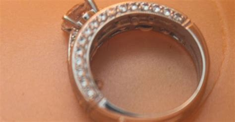 how to clean wedding ring 1 2 c vinegar 1 4 c hydrogen peroxide soak 30 45 min brush with