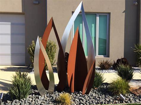 Gartenschmuck Aus Metall by A Custom Metal Garden Sculpture By Melbourne Based Artist