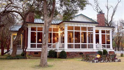 enclosed front porch    randolph indoor  outdoor design