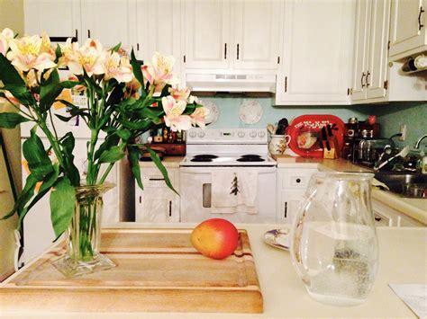 floral kitchen accessories floral d 233 cor tips for your kitchen flower pressflower press 1020
