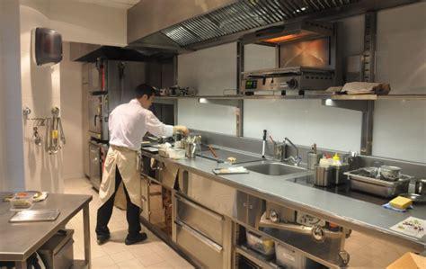restaurant cuisine ouverte neige d 39 été 15ème restaurant gastronomique français du chef japonais hideki nishi
