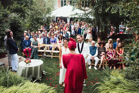 Pro's And Cons Of Having A Backyard Wedding In Toronto