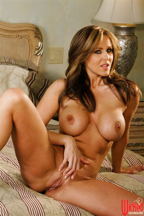 Julia Ann Wicked 16