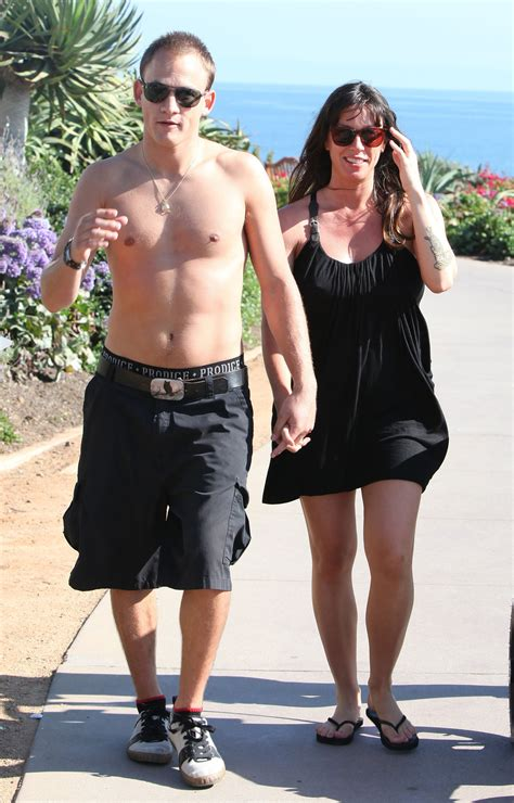 Pictures of Pregnant Alanis Morissette With Shirtless ...