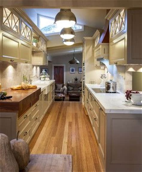 images of kitchen tile floors 73 best htons style kitchens images on 7496