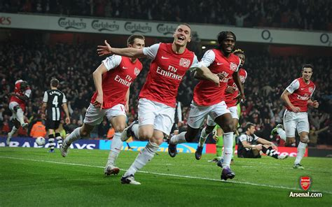 pictures   season  place arsenal