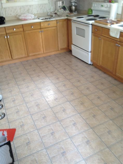 kitchen vinyl tile 4 great options for kitchen flooring ideas 4 homes 3440