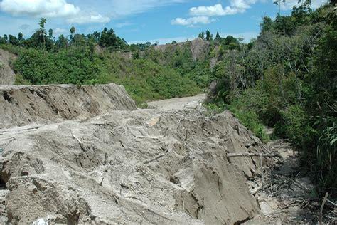 pengikisan tanah  salah satu bukit