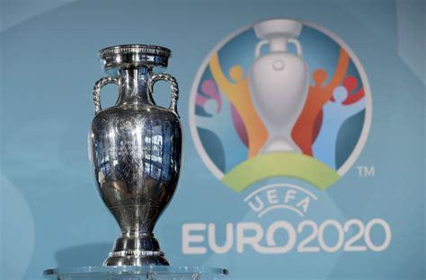 Nein, es lässt sich auch jetzt kaum voraussagen, wer am 11. Bild zu: Coronavirus: Was Fans zur Fußball-EM 2021 wissen ...