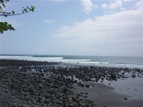 medewi surf beach bali